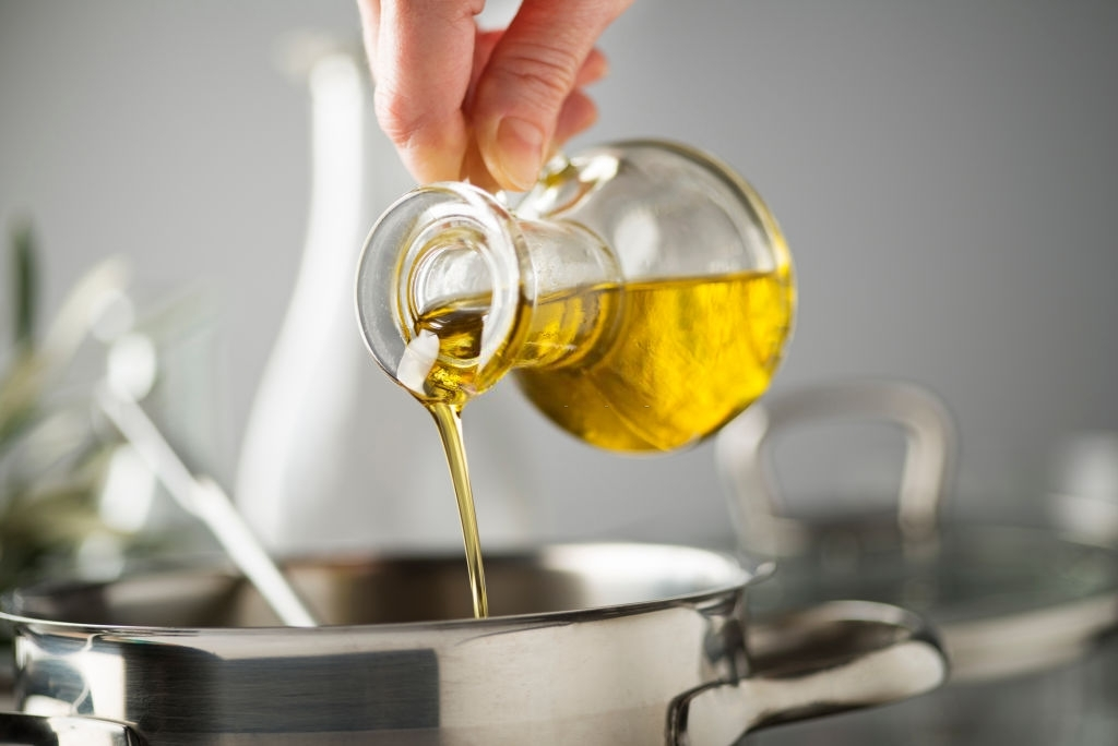Who's the best? Mustard oil vs refined oil - 24 Mantra Organic